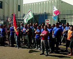 La protesta dei lavoratori Vestas di Taranto